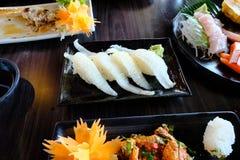 Engawa寿司用所有寿司和生鱼片 免版税库存照片