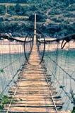 Enge voetgangersbrug Stock Foto's