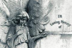 Engel auf leerem Grundstein lizenzfreie stockfotografie