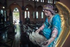 Engel in der Kirche Stockbild