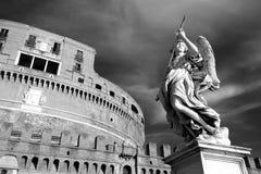 Engel die spear houden bij Heilige Angel Castle-aka Castel Sant 'Angelo in Rome, Italië royalty-vrije stock foto