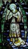 Engel im Buntglas lizenzfreies stockfoto