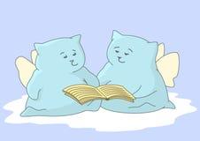 Engel-Kissen mit dem Buch Lizenzfreie Stockbilder