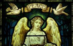 Engel met duiven en vrede royalty-vrije stock afbeeldingen