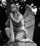 Engel met gedoofde toorts als symbool van de dood van een persoon Royalty-vrije Stock Afbeeldingen