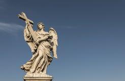 Engel met het Kruis op Ponte Sant Angelo Rome Italy Royalty-vrije Stock Afbeelding