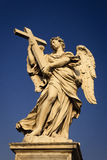 Engel mit dem Kreuz Lizenzfreie Stockbilder