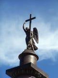 Engel mit einem Kreuz Lizenzfreies Stockbild