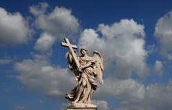 Engel mit heiligem Kreuz Lizenzfreies Stockbild