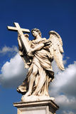 Engel mit Kreuz Stockbild