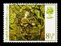 Engel mit Krone, Weihnachten 1976 - englisches mittelalterliches Stickerei serie, circa 1976 Lizenzfreie Stockfotos