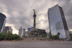 Engel van Onafhankelijkheidsmonument op rotonde in Mexico-City op c stock afbeeldingen