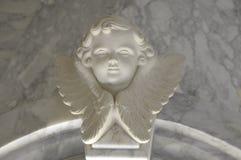 Engelachtig cupidostandbeeld - uitstekend retro effect stijlbeeld stock foto's