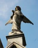 Engelachtig Standbeeld Stock Afbeeldingen