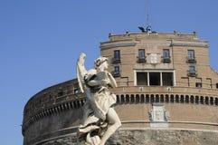 Engelachtig standbeeld in Rome Stock Afbeeldingen
