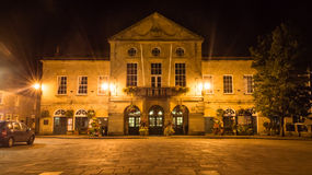 ENGELAND, PUTTEN - 20 SEP 2015: 's nachts Stadhuis Royalty-vrije Stock Foto