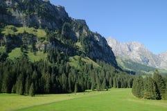 Engelberg en las montañas suizas foto de archivo