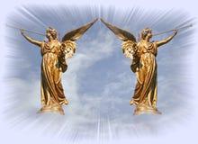 Engelen bij de poorten van hemel. Stock Foto