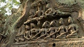 Engelenbeeldhouwwerk op steen linte, Angkor wat Stock Foto's