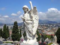 Engelenstandbeeld bij de begraafplaats van Nice Royalty-vrije Stock Foto