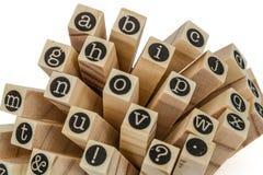 Engels alfabet in kleine letters, collage van geïsoleerd houten letterzetsel Royalty-vrije Stock Afbeeldingen