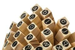Engels alfabet in kleine letters, collage van geïsoleerd houten letterzetsel Stock Fotografie