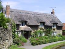 Engels met stro bedekt plattelandshuisje Royalty-vrije Stock Foto's
