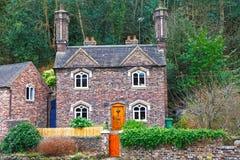 Engels plattelandshuisjehuis Royalty-vrije Stock Afbeeldingen
