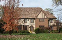 Engels Tudor Home in Daling Stock Foto