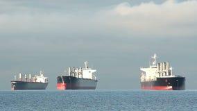 Engelse Baaivrachtschepen bij Anker, Vancouver stock video
