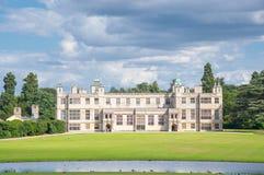 Engelse manor van 17de eeuw stock fotografie