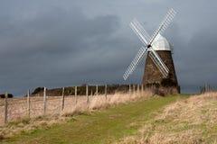 engelsk bergstoppwindmill Arkivfoton