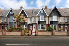 Engelsk gata av terrasserade hus Royaltyfri Foto