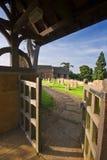 engelsk nyckel för churchyard till traditionellt arkivbilder