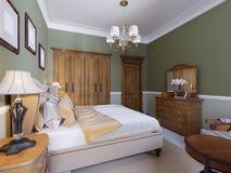 Engelsk-stil sovrum med en stor mjuk tygsäng Nattduksbord med lampor Stor garderob och skänk med spegeln royaltyfri illustrationer