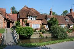 engelska houses den traditionella byn Arkivfoto
