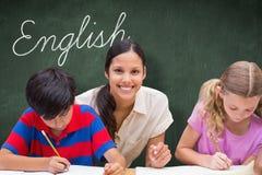 Engelska mot den gröna svart tavlan Royaltyfri Foto
