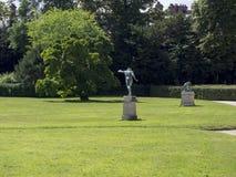Engelskaträdgård på slotten av Fontainebleau, Frankrike Arkivfoton