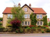 engelskt hus Arkivfoton