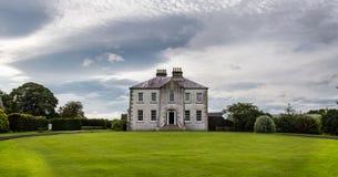 Engelskt landshus Arkivbild
