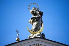 Engelsstatue im Getreidegasse in Salzburg Lizenzfreies Stockbild