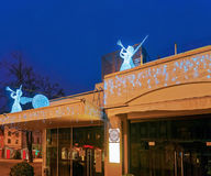 Engelsstatuen auf dem Dach in Riga in Lettland Lizenzfreies Stockfoto