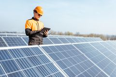Free Engineer On A Solar Power Plant Stock Photo - 163529490