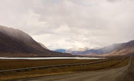 An engineering feat in the alaskan permafrost. The famous alaska pipeline as seen from the dalton highway Royalty Free Stock Images