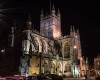 ENGLAND BAD - 20 SEPTEMBER 2015: Badabbotskloster vid natt C Arkivfoton