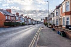England-Straßensonnenuntergang-Morgenansicht Northampton Großbritannien lizenzfreie stockfotos
