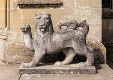 Englisch Lion Sculpture, Katen-Schloss, Herefordshire Lizenzfreie Stockfotos