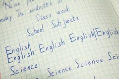 Englische Bildung, Vokabularnotizbuch mit Aufschrift Englisch, Wissenschaftswörter stockfotos