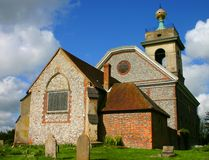 Englische Dorf-Kirche Stockbild