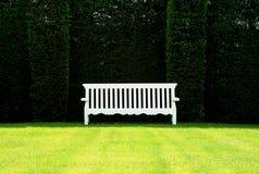 Englische Garten-Bank stockbilder